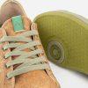 detalle cordones y suela calzado vegano